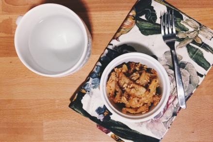 apple crisp and tea