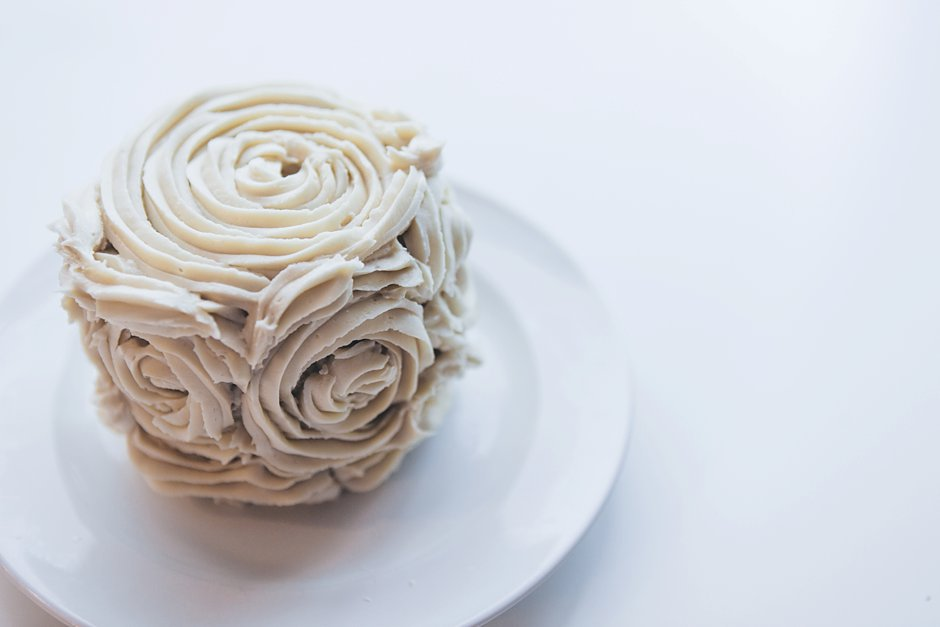 diy mini rose cake frosting tutorial